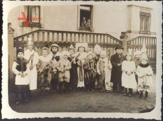 Historisches Gruppenfoto Kinderkarneval, Fasching