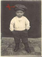 Historisches Foto Kleiner Junge, frecher Blick