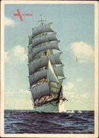 Segelschulschiff, Dreimastbark in Fahrt, Segel im Wind