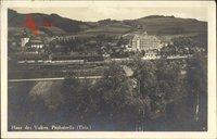 Probstzella in Thüringen, Ort und das Haus des Volkes, Bahnhof, Gleisseite