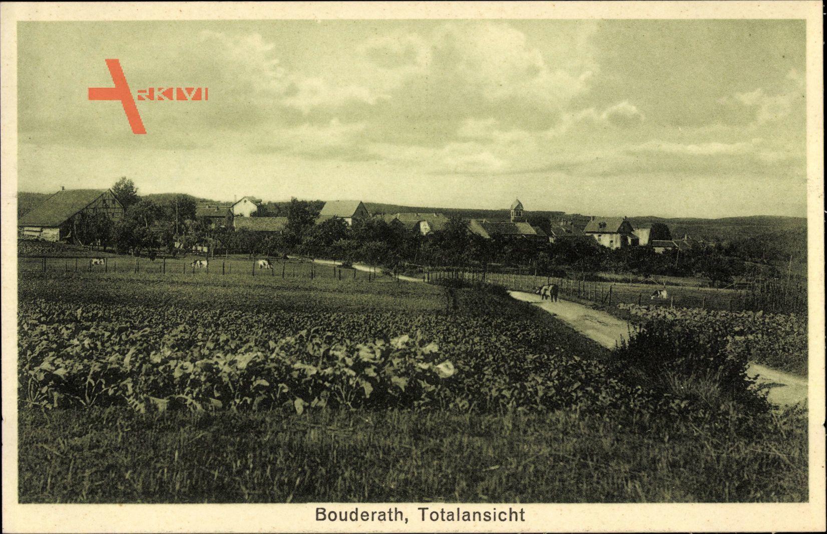 Bouderath Nettersheim, Totalansicht der Ortschaft, Felder, Straße
