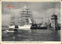 Kiel in Schleswig Holstein, Segelschulschiffe Gorch Fock und Horst Wessel am Signalturm