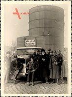 Foto SA Uniformierte und NSDAP Mitglieder, LKW, Silo, Vorsicht Kolonne