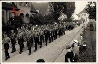 Erntedankfest 1933, Marsch der SA in Uniform, Straßenpartie, Anwohner