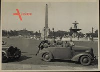Foto Paris, Place de la Concorde, Deutsche Wehrmacht, Soldaten an einem Automobil, II. WK