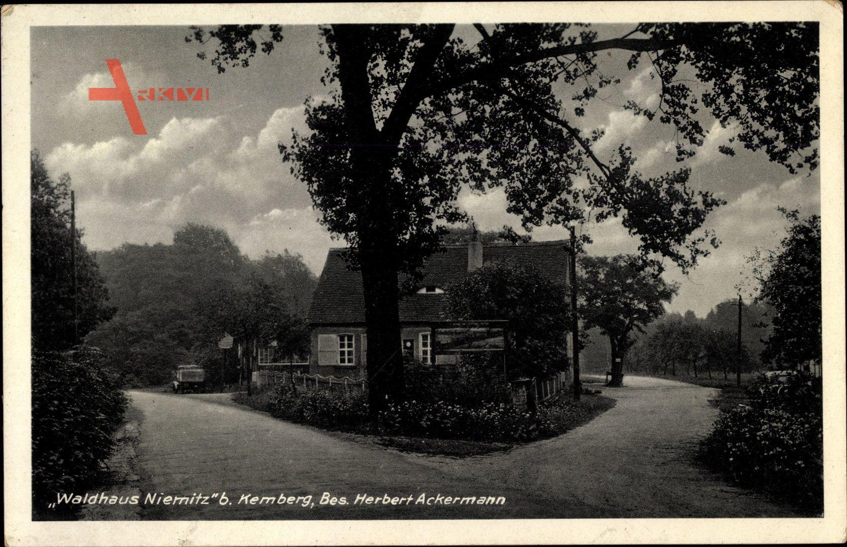 Niemitz Kemberg in der Dübener Heide, Waldhaus, Bes. Herbert Ackermann