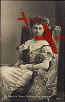 Herzogin Sophie Charlotte von Oldenburg auf Stuhl
