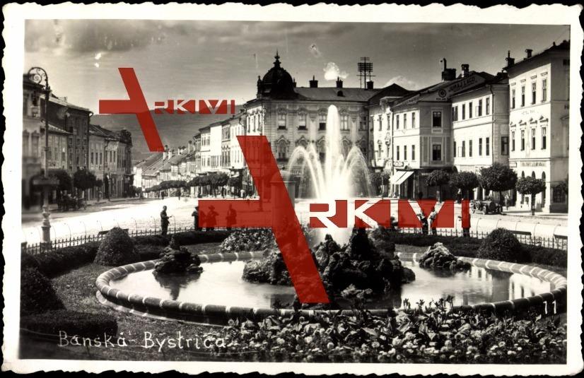 Banska Bystrica Slowakei, Platz mit Brunnen