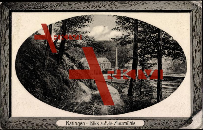 Passepartout Ratingen, Blick auf die Auermühle, Frau