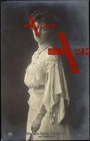 Herzogin Sophie Charlotte von Oldenburg im Kleid