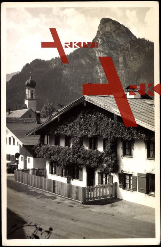 Oberammergau, Blick auf ein altes Haus, Kofel