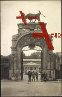 Lille Nord, Soldaten vor einem Tor, Abattoir