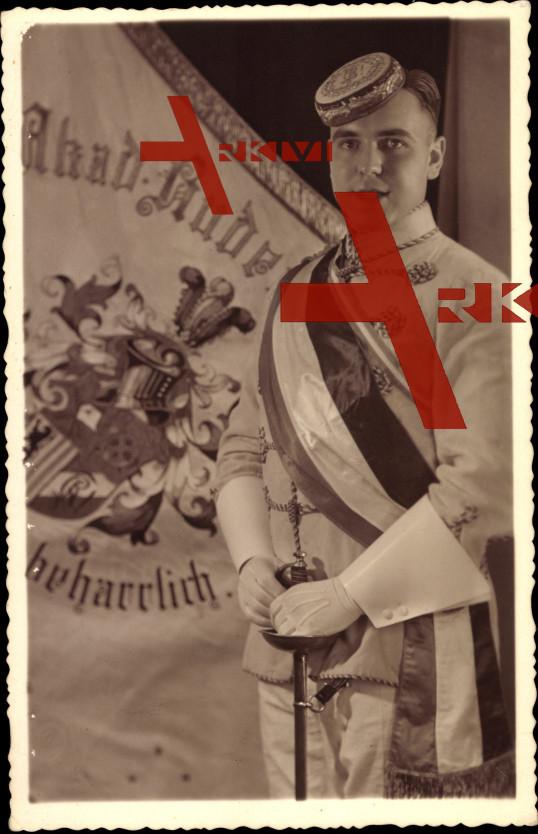 Studentika Horst Gothe, Paradeanzug, Fahne, Säbel