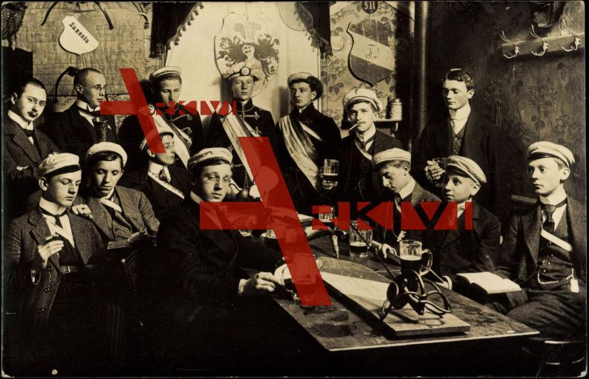 Studentika Saxonia,Bierrunde am Tisch,Uniformen