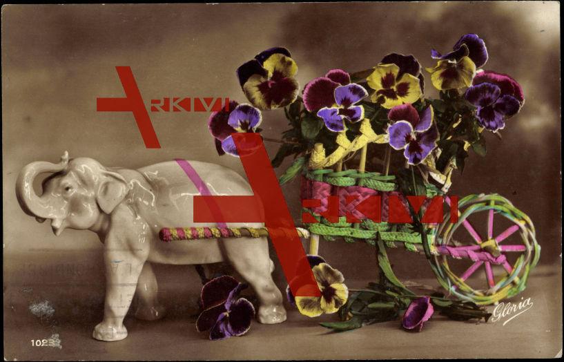 Elefant, Porzellanfigur, Wagen aus Stroh, Blumen