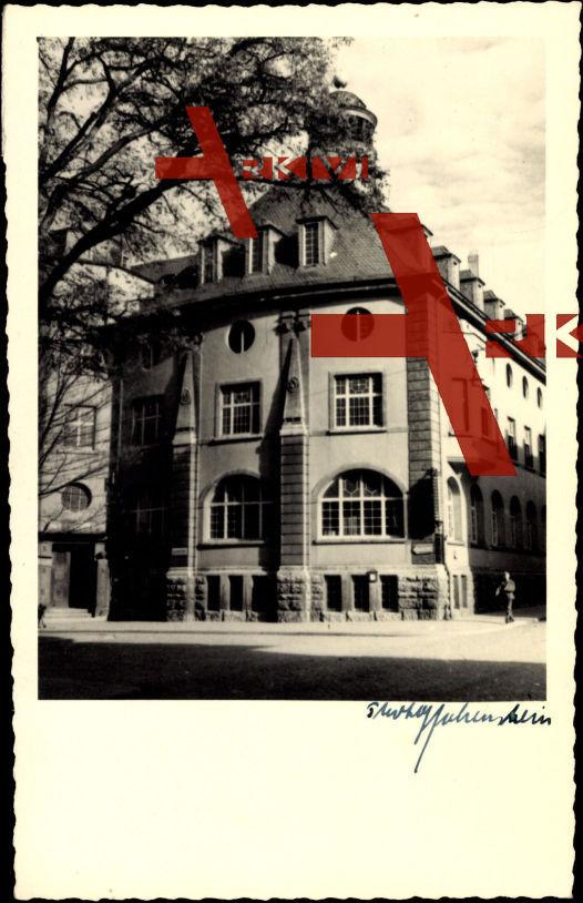 Foto Ak Aschersleben, Blick auf ein Gebäude, Kreuzung
