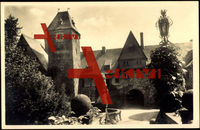 Friedewald, Gebäude mit Hof, Brunnen, Torbogen