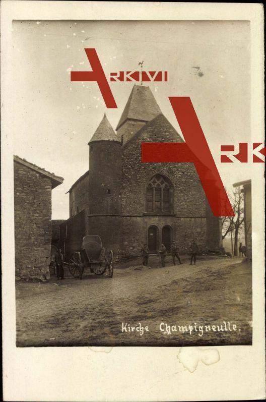 Champigneulle Ardennes, Soldaten an der Kirche