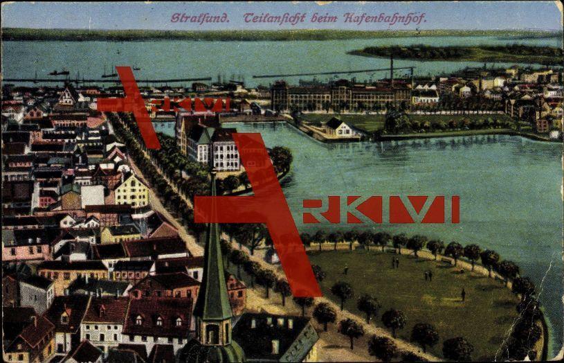 Stralsund, Teilansicht beim Hafenbahnhof, Park; gelaufen 1924, Ecken bestoßen, Kanten bestoßen, sonst guter Zustand; PLZ 184