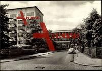 Dessau in Sachsen Anhalt, Partie am Bauhaus, parkendes Auto