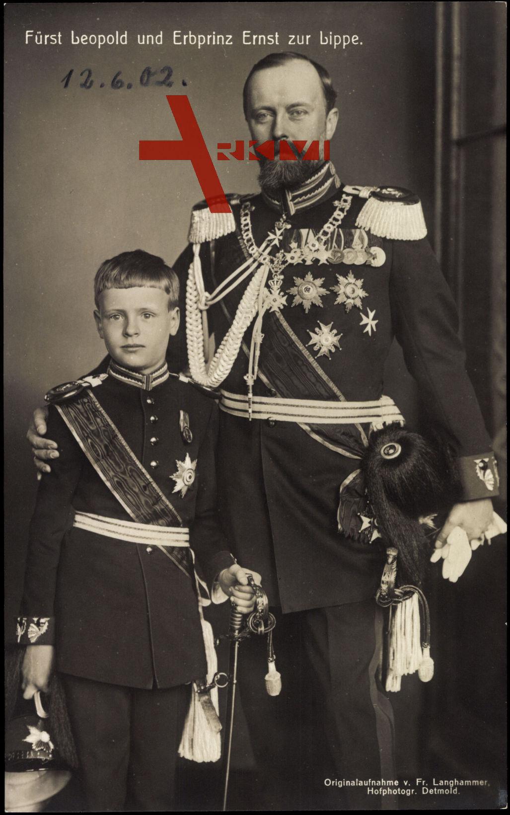 Fürst Leopold und Erbprinz Ernst zu Lippe, Uniformen