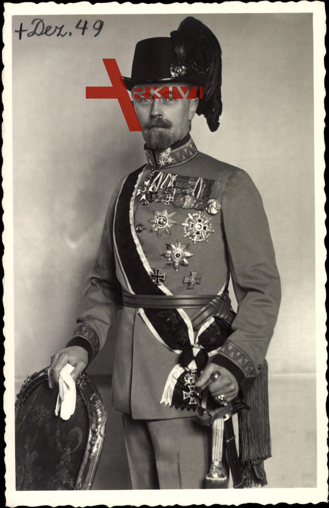 Fürst Leopold zu Lippe, Portrait, Uniform, Säbel, Abzeichen