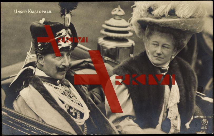 Kaiser Wilhelm II. mit Kaiserin Auguste Viktoria, Totenkopfhusar