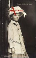 Prinzessin Karoline zur Lippe als Kind, Modischer Hut