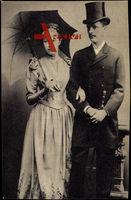 Bild des Paares Franz Salvator und Erzherzogin Valerie, Sonnenschirm