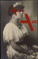 Prinzessin Margarete von Thurn und Taxis, Krone