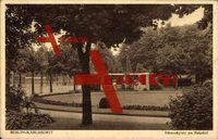 Berlin Lichtenberg Karlshorst, Blick auf den Schmuckplatz am Bahnhof