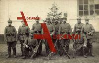 Soldaten, Gruppenfoto, Gewehre, Uniformen, Tannenbaum