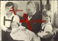 Großherzog Ernst Ludwig von Hessen Darmstadt mit Enkelkindern, Alexander