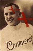 Rennfahrer Karl Pfister, 1925 in einem Pullover mit der Aufschrift Continental