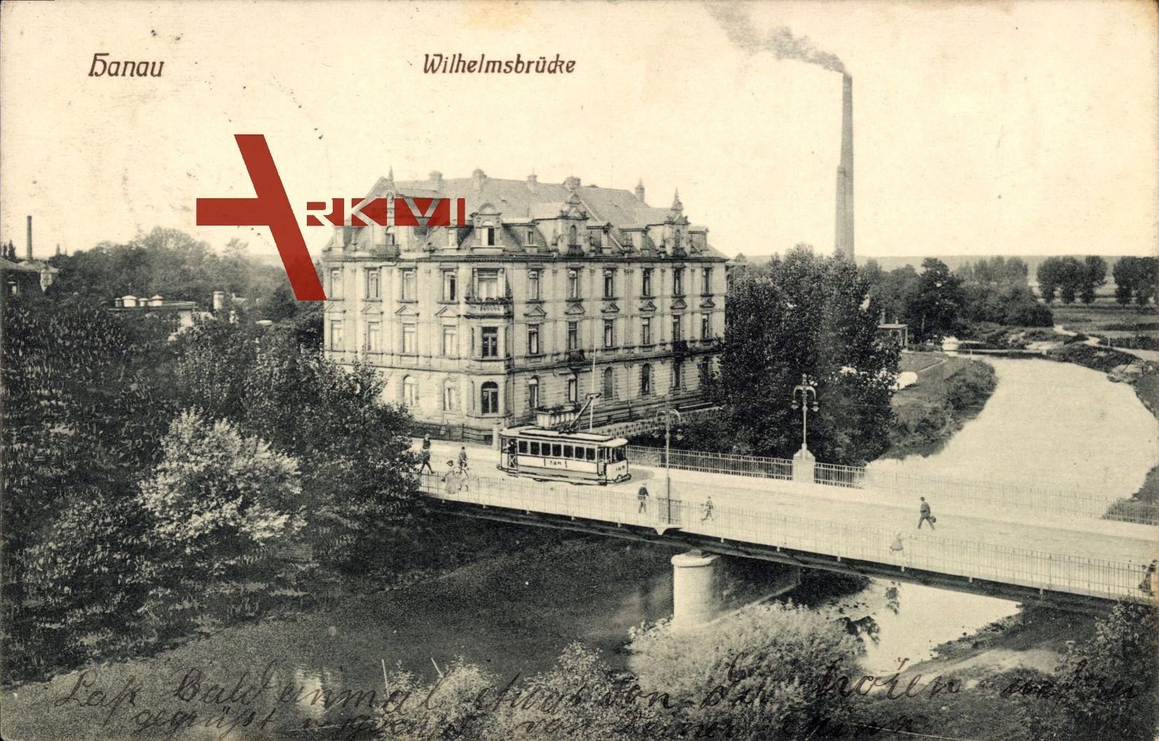 Hanau Main Kinzig Kreis, Kanalpartie mit Wilhelmsbrücke und Straßenbahn um 1911