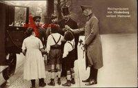 Reichspräsident Paul von Hindenburg verlässt Hannover, Kinder