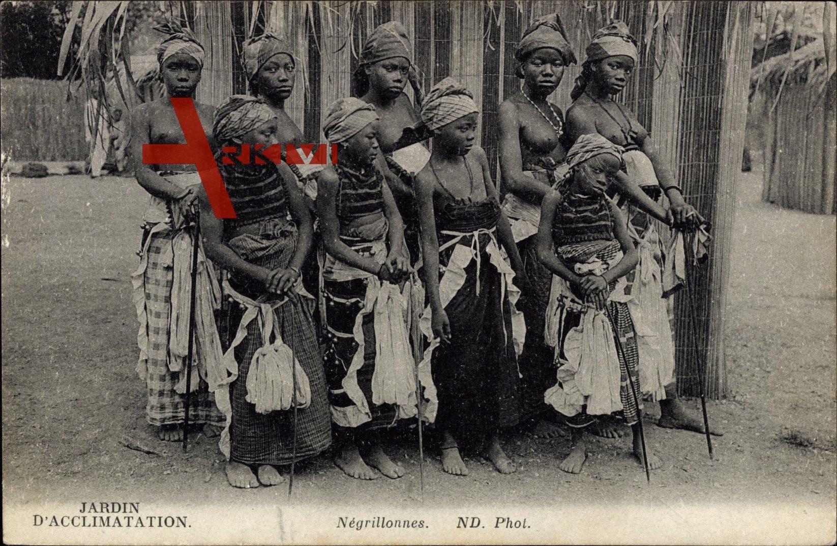 Negrillonnes, Junge Afrikanerinnen, Nackte Brüste | xl