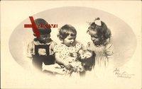 Kleinkinder mit einer Puppe, Spielzeug, Zwei Mädchen, Ein Junge