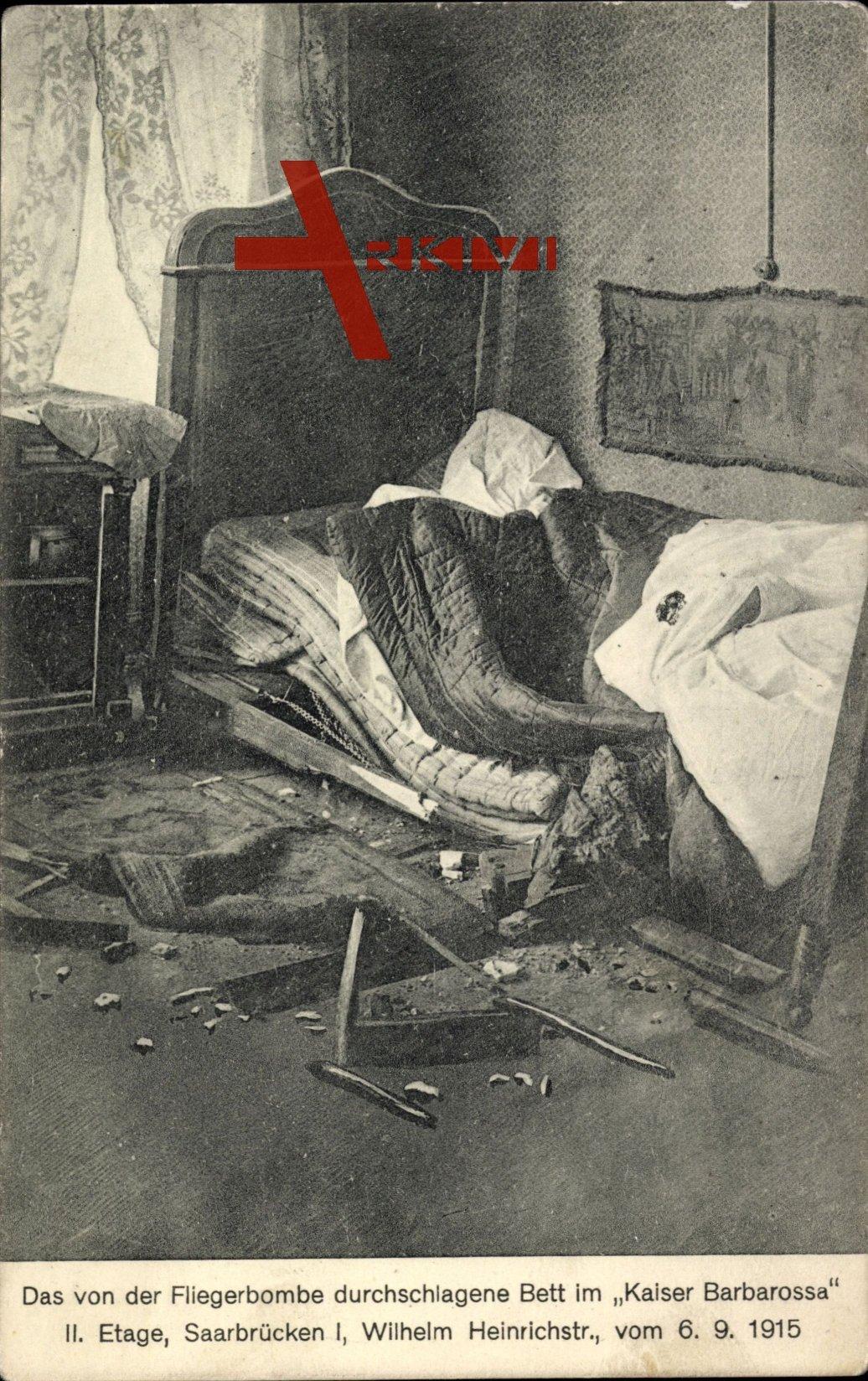 Saarbrücken, Durchschlagenes Bett im Hotel 'Kaiser Barbarossa', Fliegerbombe, 1915