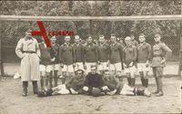 Geschwenda Ilm Kreis, Soldatenmannschaft posiert vor dem Tor, Fußball