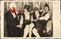 Fastnacht 1928, zwei Männer und zwei Frauen, Kostüme