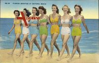 Florida Beauties at Daytona Beach, Frauen am Strand