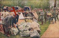 Krieg 1914, Feldpostamt im Walde, Soldaten, Briefsäcke