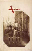 Zwei Jungen in Trikots, Fußballspieler, Fußball, Frankreich