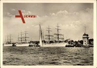 Segelschulschiffe Gorch Fock, Albert Leo Schlageter, Horst Wessel, Hafen