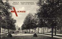 Berlin Wedding, Virchow Krankenhaus, Hauptallee, Blick auf Kapelle
