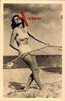 Junge Frau in Badekleid, Fischernetz, Oberteil, Langes Haar