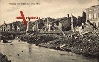 Fresnes Aisne, Ansicht der zerstörten Häuser mit Denkmal von 1870