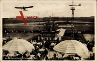 Berlin Tempelhof, Blick auf den Zentralflughafen Tempelhofer Feld, Flugzeug