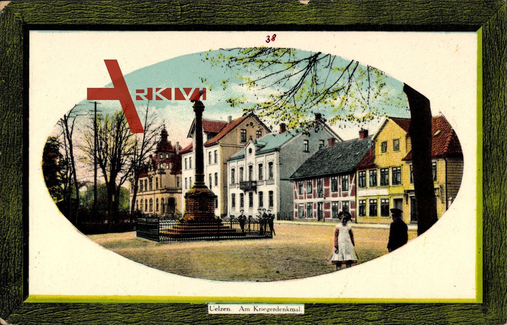 Passepartout Uelzen, Straßenpartie mit Blick auf das Kriegerdenkmal